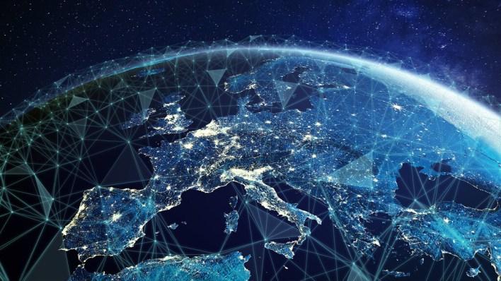 Ley Europea de chips, ciberresiliencia y libertad de prensa: las nuevas leyes para el mundo digital que prepara la Unión Europea para 2022