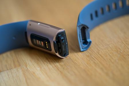 Fitbit Charge 3 Correa Desmontada