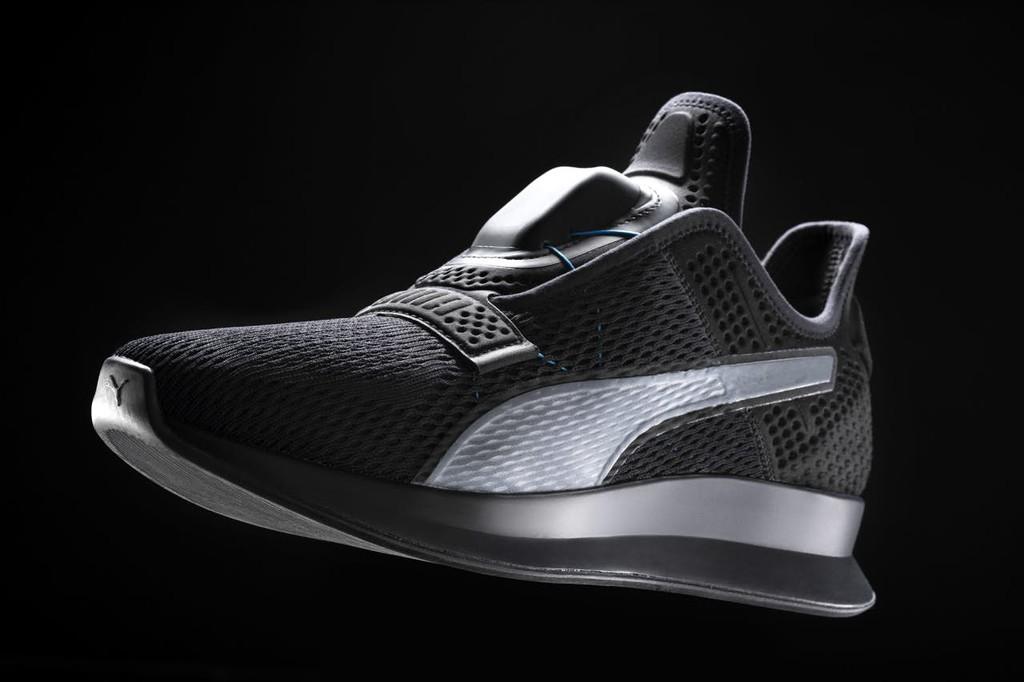 """Permalink to Puma también se suma a la moda de las zapatillas """"futuristas"""" que se atan solas con las nuevas Fit Intelligence (Fi)"""