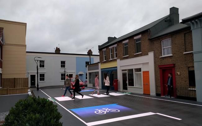 Permalink to Este paso de peatones lo genera unos LEDs en el asfalto según el contexto y dando prioridad al peatón