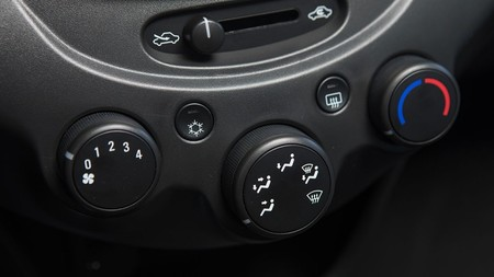 Chevrolet Beat Notchback 11