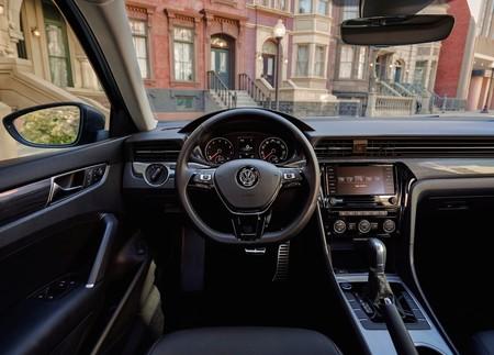Volkswagen Passat 2020 16