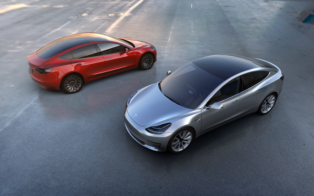 Tesla inicia a vender una version mas barata del Tesla Model tres