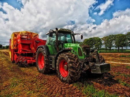 Tractor Hdr