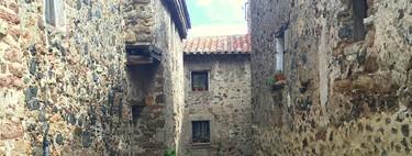 Santa Pau, pueblo medieval y volcanes en Girona