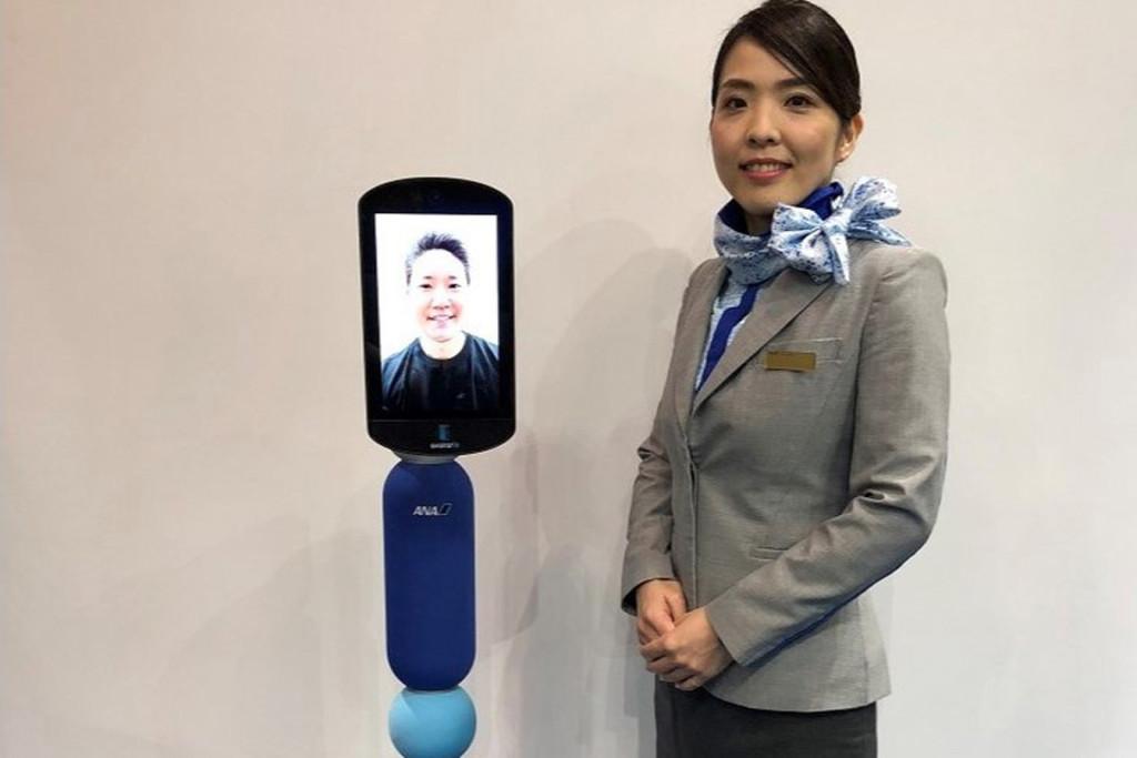 Si no puedes viajar, o no quieres, un robot lo hace por ti: en Japón los robots de telepresencia permiten que cualquiera pueda viajar