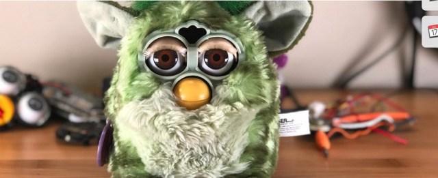 Furlexa, un híbrido de Furby y de Amazon Echo con una Raspberry Pi