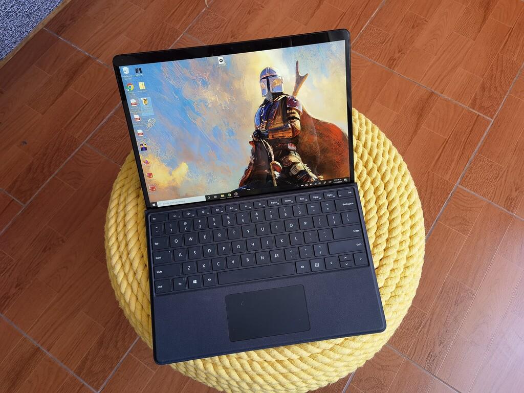 Surface Pro X, la hemos probado: Windows en ARM cumple, pero Microsoft necesita, sí o sí, apretar el paso en compatibilidad