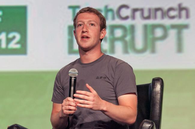 Mark Zuckerberg Facebook Microfono