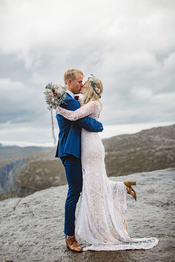 Trolltunga Wedding Session Priscila Valentina 12