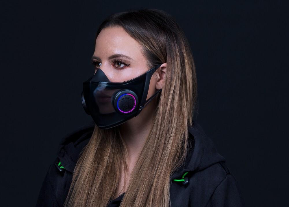 """Project Hazard: el """"cubrebocas inteligente"""" de Razer con RGB, amplificador de voz y un estuche que carga y esteriliza la máscara"""