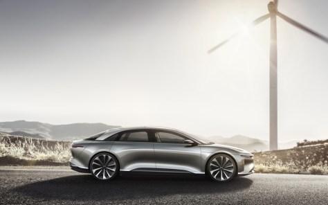 Lucid Motors sigue a lo suyo: la berlina eléctrica 'Air' alcanza los 378 km/h en circuito cerrado