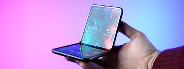 Samsung Galaxy℗ Z Flip, análisis: la experiencia contada desde los puntos de vista de un creyente y una escéptica de los plegables