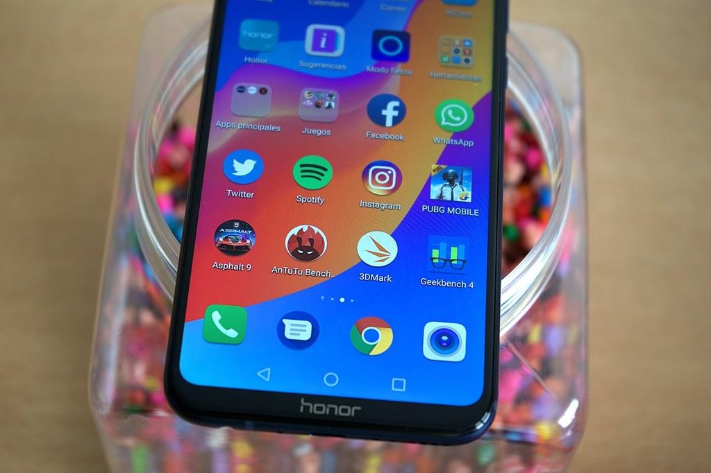 Huawei, con el Honor Play, es el 1° desarrollador en estar probando Fuchsia OS, el misterioso metodo operativo de Google