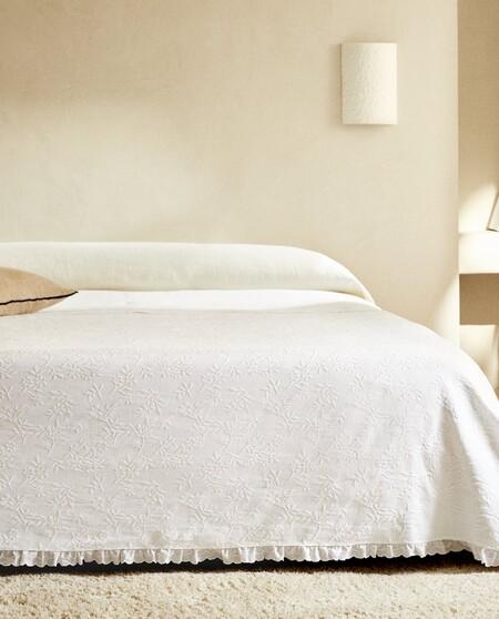 White Bedspread Zara Home