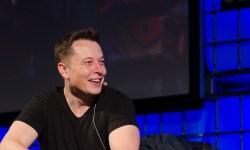 Elon Musk se reitera en su intención de sacar a Tesla de la bolsa y dice contar con el respaldo del fondo soberano de Arabia Saudí