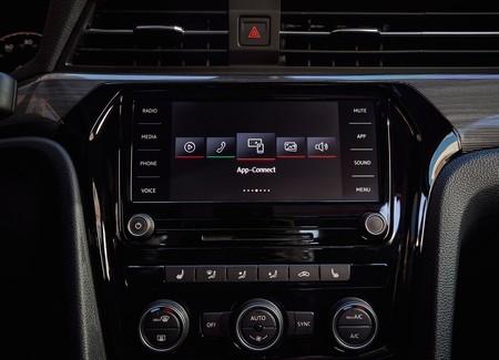 Volkswagen Passat 2020 19