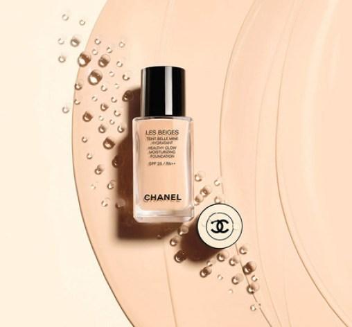 Con la nueva base de maquillaje Les Beiges de Chanel la piel tendrá un aspecto radiante y de acabado tan natural que parecerá que has venido de vacaciones
