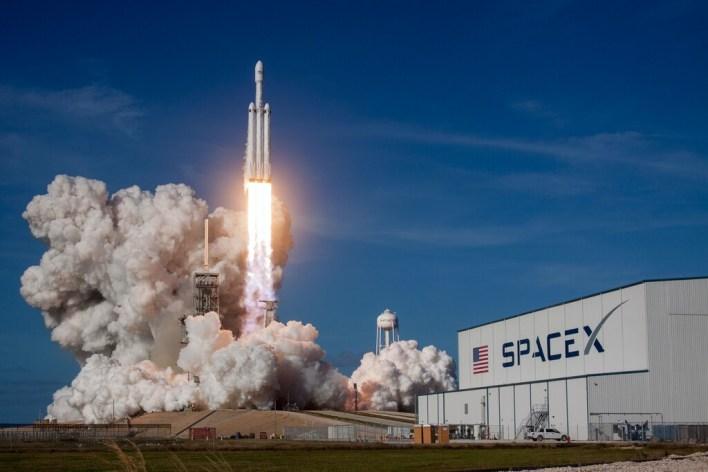 Space está diseñando un cohete militar para llevar 80 toneladas a cualquier lugar del mundo en menos de una hora