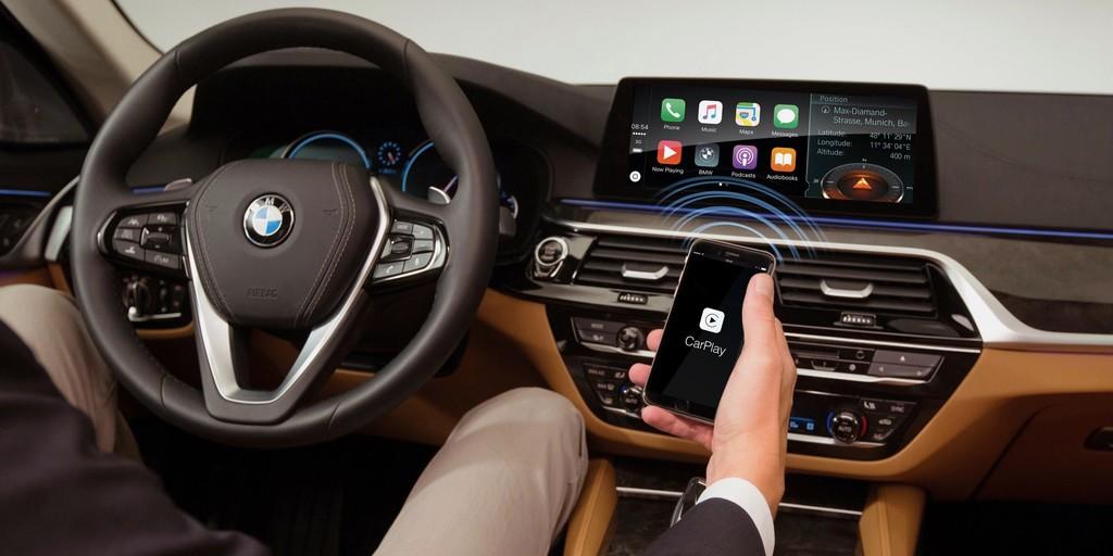 BMW cambia de opinión y elimina la suscripción a CarPlay, ahora vendrá incluido en sus coches sin coste adicional ni suscripciones
