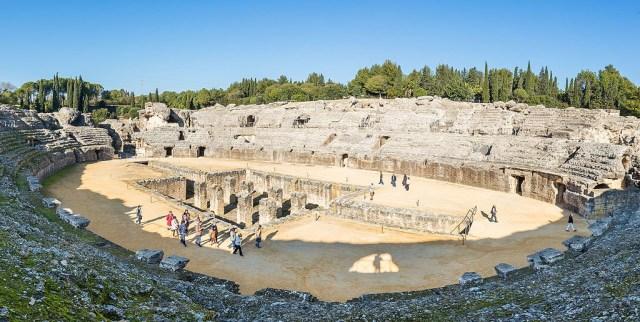 Anfiteatro De Las Ruinas Romanas De Italica Santiponce Sevilla Espana Diego Delso