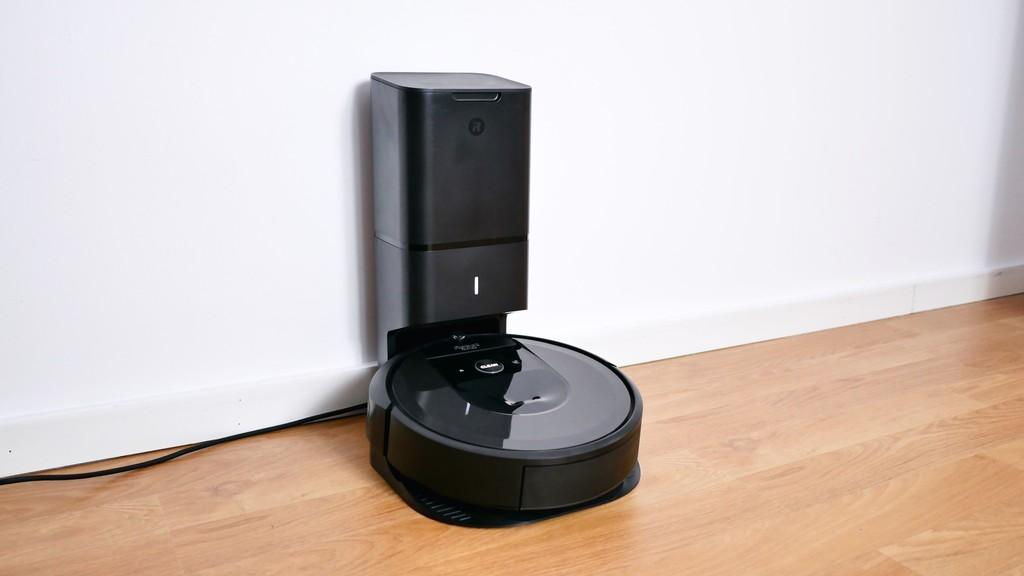 Permalink to Roomba i7+, análisis: la evolución y revolución de iRobot llega con este robot aspirador que se limpia solo