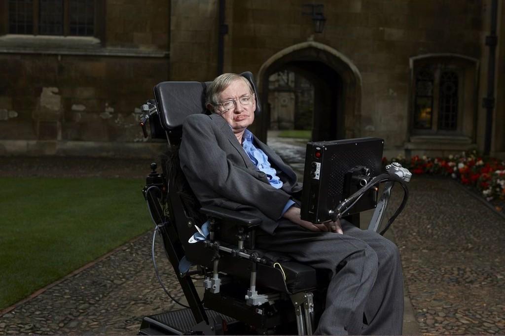 Justo antes de morir, Stephen Hawking estaba escribiendo un libro sobre las enormes preguntas de la humanidad: lo hemos leído