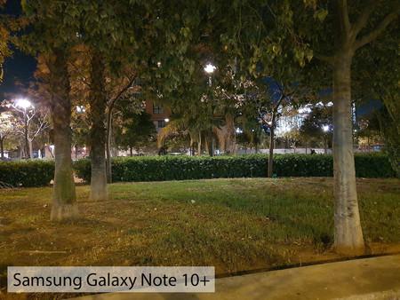 Samsung Galaxy Note 10plus Auto Noche 01