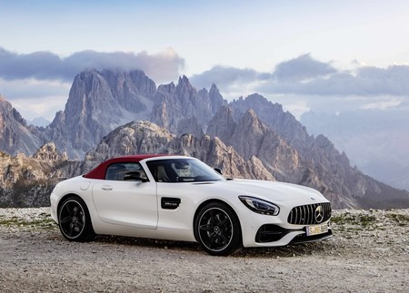 Mercedes Benz Amg Gt Roadster 2017 1600 05