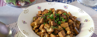 Tofu con berenjena en salsa de soja: receta saludable vegana