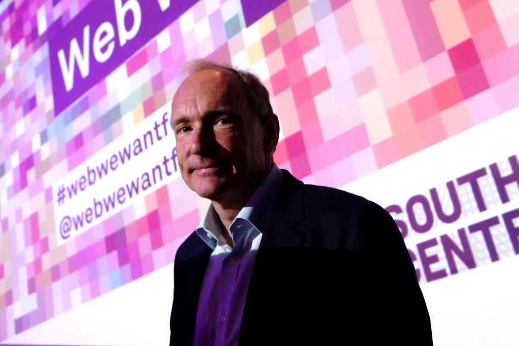 Tim Berners Lee anuncia Solid, un proyecto open source de Internet descentralizado con buenas intenciones y algo de utopía