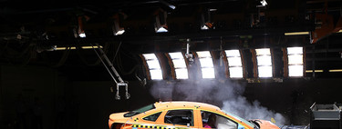 Crash tests: así destrozan las marcas los coches para que a ti no te pase nada