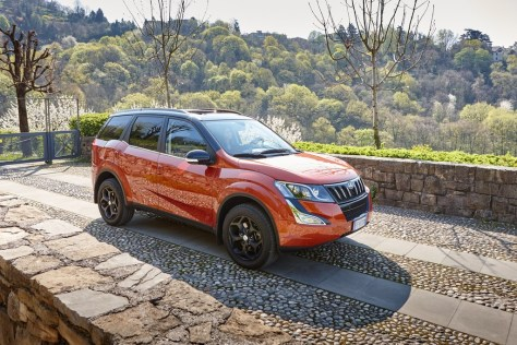 Mahindra Preview W10