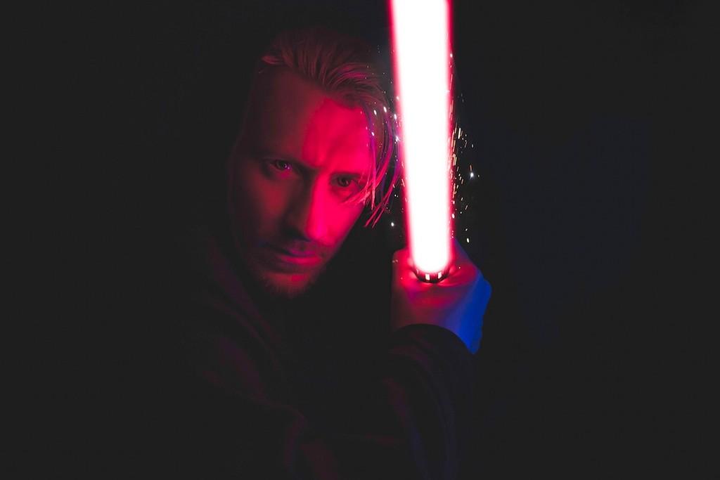 Permalink to El duelo con sables de luz de 'Star Wars' ahora es reconocido como deporte oficial en Francia
