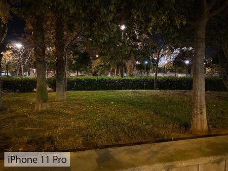 Iphone 11 Pro Auto Noche 01
