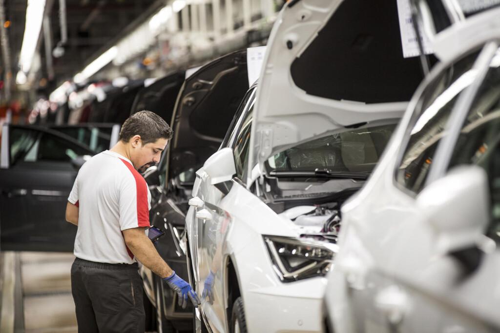 La falta de chips está provocando que los fabricantes de automóviles reduzcan su producción a nivel global