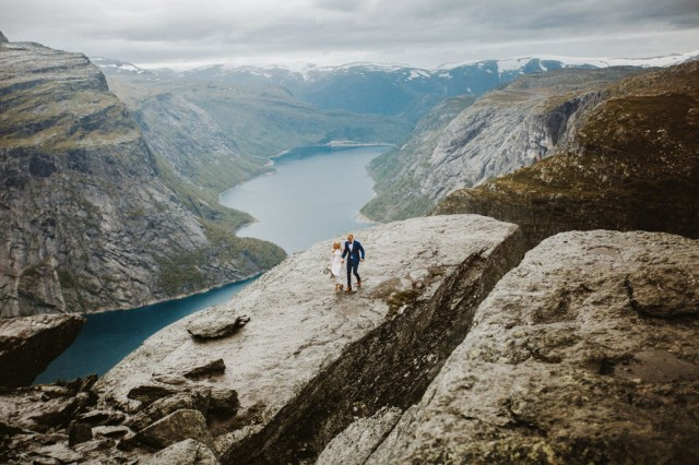 Trolltunga Wedding Session Priscila Valentina 17