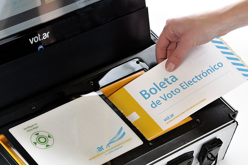 El voto electrónico en España, una relación de largo aliento que no termina de cuajar