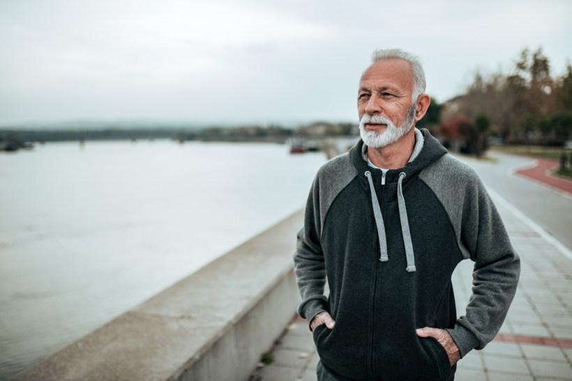 Entrenamiento caminando a intervalos de alta intensidad: una opción efectiva para mejorar la salud de los adultos mayores