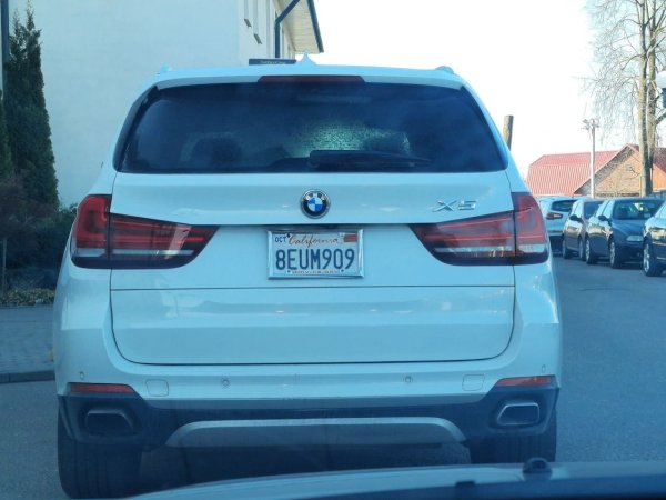 В Гродно сфотографировали BMW X5 с калифорнийскими ...