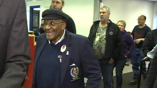 Desmond Tutu to tour Fort McMurray oilsands development