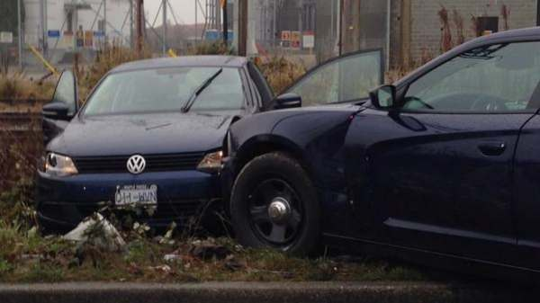 2 carjackings and chases halted by police in Metro ...