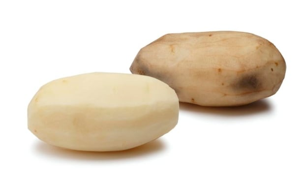 The potatoes will not brown after being peeled or cut, which is seen as a particular advantage for the food service industry.