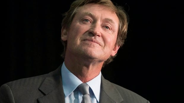 Wayne Gretzky Returns To Oilers In Executive Role Nhl On