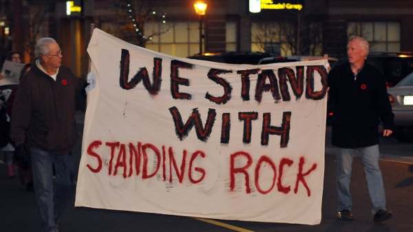 Islanders protest in solidarity with Standing Rock Sioux ...