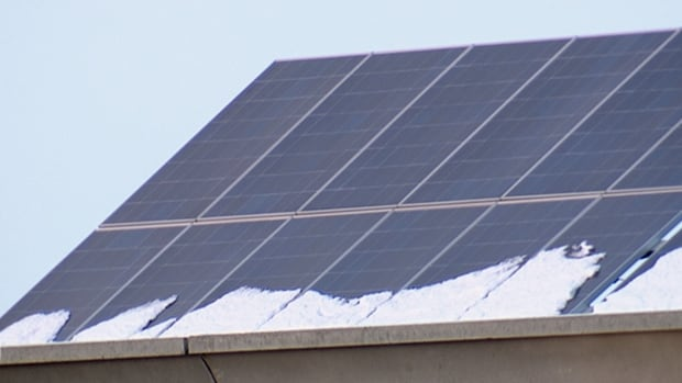 Alberta announces $36M rebate program for solar panels on homes, businesses | CBC News