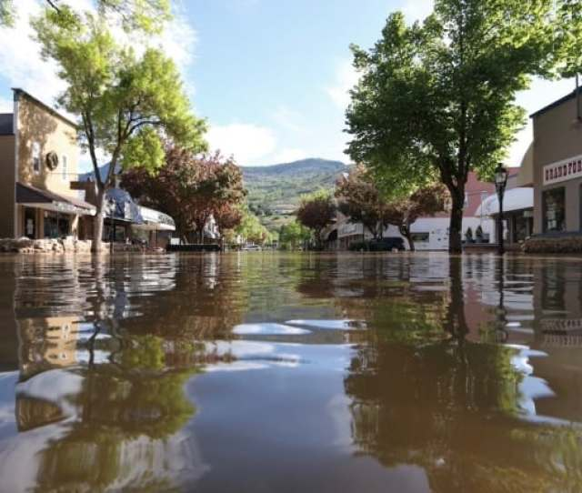 Grand Forks Was One Of The Hardest Hit Cities In This Years Flooding And Parts Of Downtown Were Submerged Under Water Experts Say Cities Need To Prepare