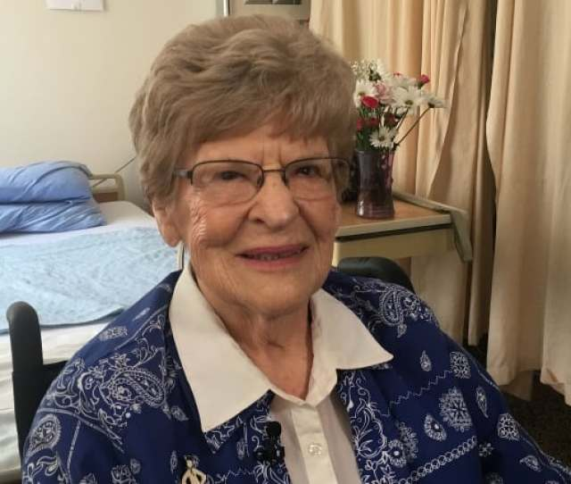 Geri Clark 90 From Ancaster Ont Has Just Started Physiotherapy For A Hip Fracture She Received Her Surgery Within Six Hours Melanie Glanz Cbc
