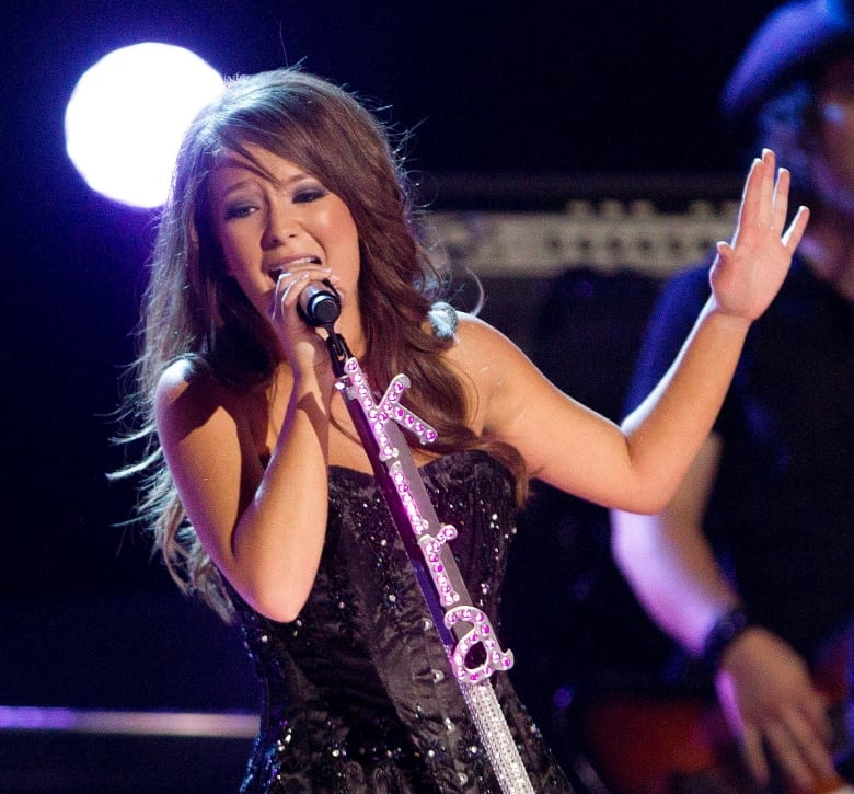 Country Singers To Open Ccma Awards With Shania Twain