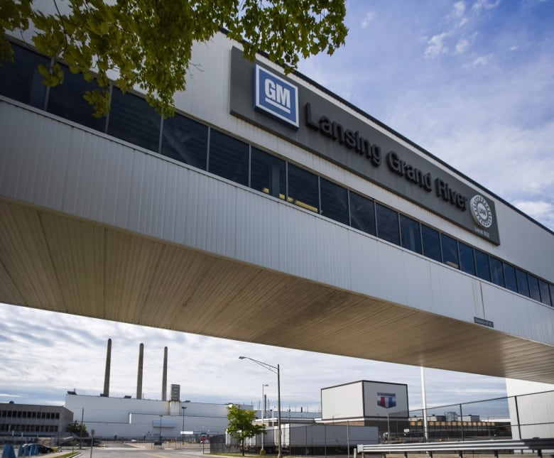 general motors uaw strike - Talks set to resume between General Motors, UAW but no deal yet